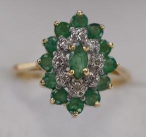 Ladies 10k Yellow Gold Emerald & Diamond Ring