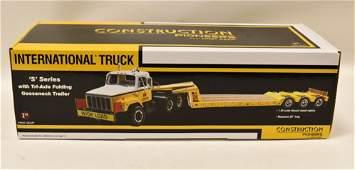 1/25 1st Gear International Truck w Lowboy Trailer