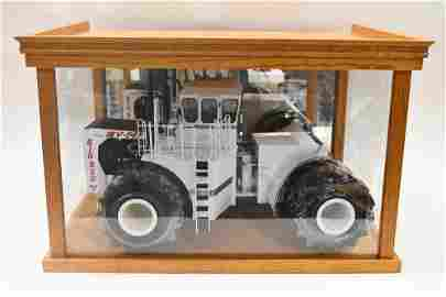 1/16 Die-Cast Promotions Big Bud 16V-747 Tractor
