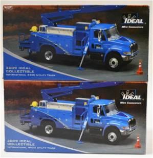 (2) 1/34 1st Gear International 4400 Utility Truck