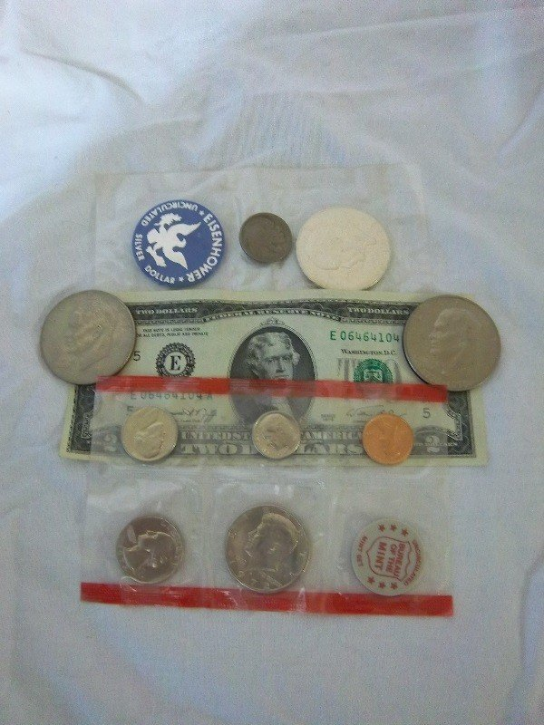 16: Misc. US Currency, Ike Dollars, $2, and More