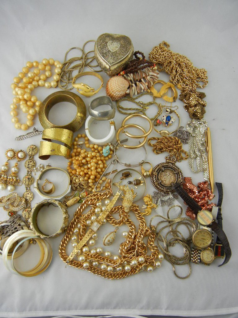 1002C: Large Lot of Costume Jewelry w/ Heart Box