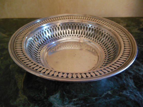 1007: Tiffany & Co. Sterling Silver Bowl, 147.5g