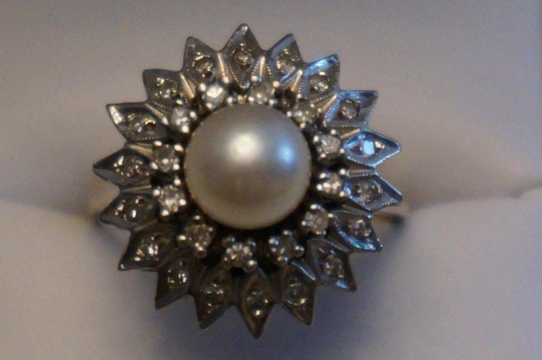 14K White Gold Pearl & Diamond Ring  Size 9-1/2  8.2