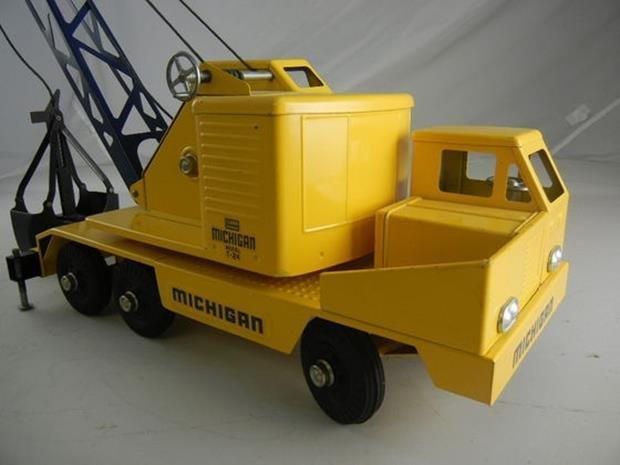"Vintage Nylint Michigan T-24 Truck Crane 17"" Long - 2"