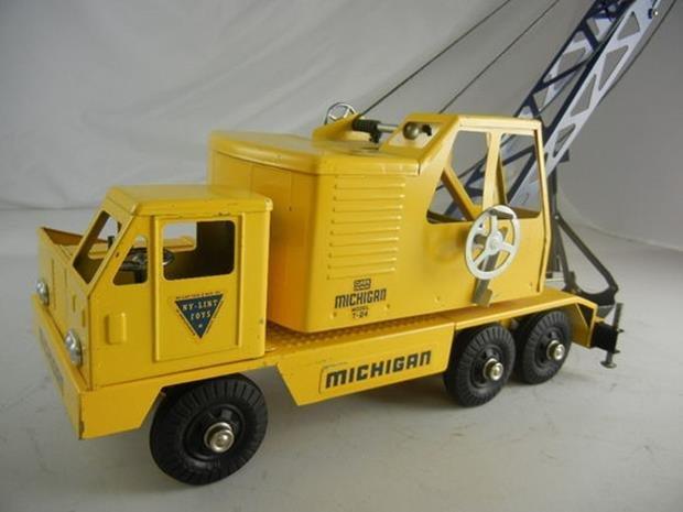 "Vintage Nylint Michigan T-24 Truck Crane 17"" Long - 3"