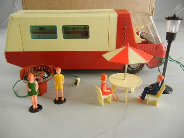 Vintage Sears Battery Operated Toy Camper Trailer #4325