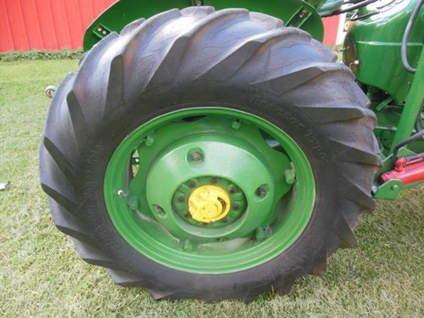 Oliver Super 55 Farm Tractor, Loader, Restored, 3pt - 5