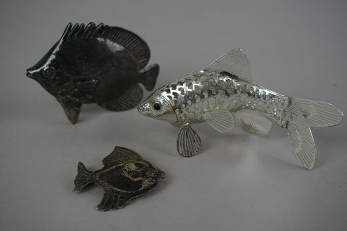 Lot of Three Sterling Fish Two Figures One Pin 1.4 Troy