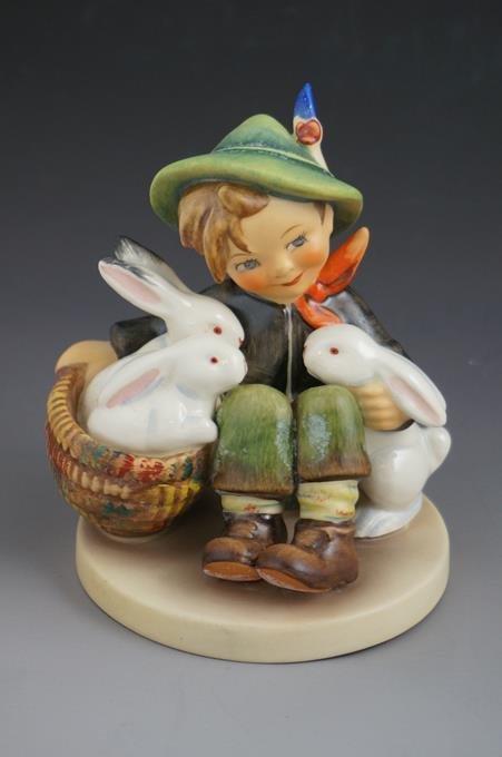 """Hummel Playmates Figurine #58/1 TMK 5  4-1/2"""" Tall"""