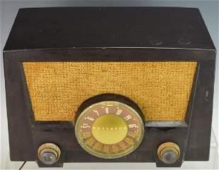 Vintage Raytheon Radio