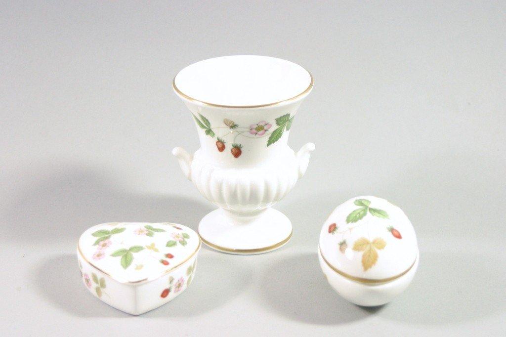 """5: Wedgwood China """"Wild Strawberry"""" Porcelain Lot"""