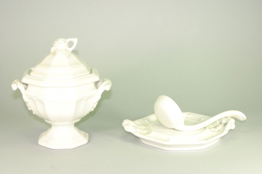14: Red Cliff Ironstone Soup Tureen Lot