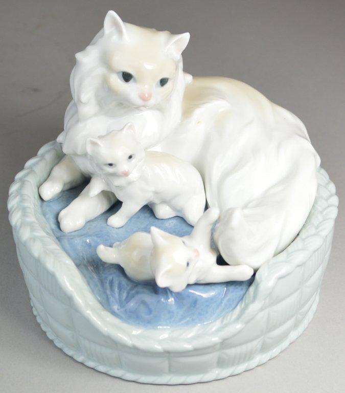 "7: Lladro ""Kitty Care"" figurine"