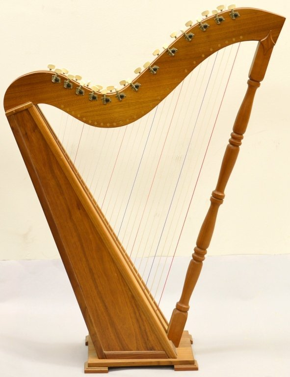 16:Celtic Type Harp