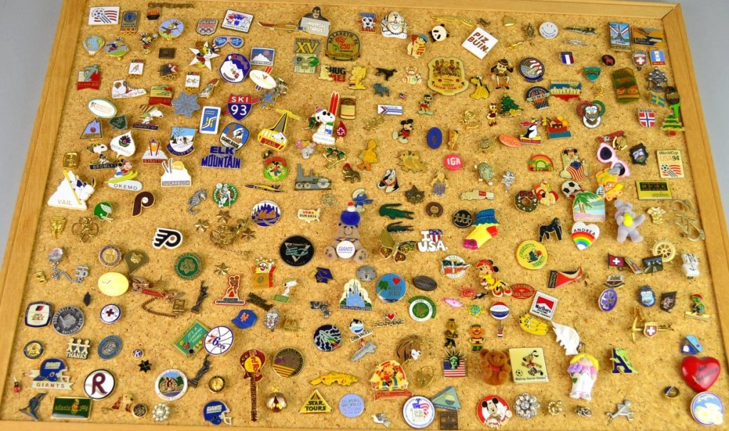 Souvenir Pin Lot