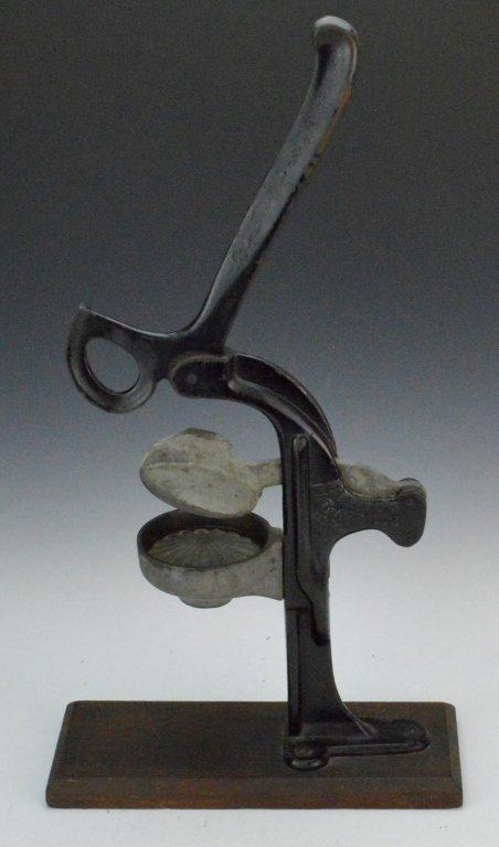 Antique Cast Iron Juicer