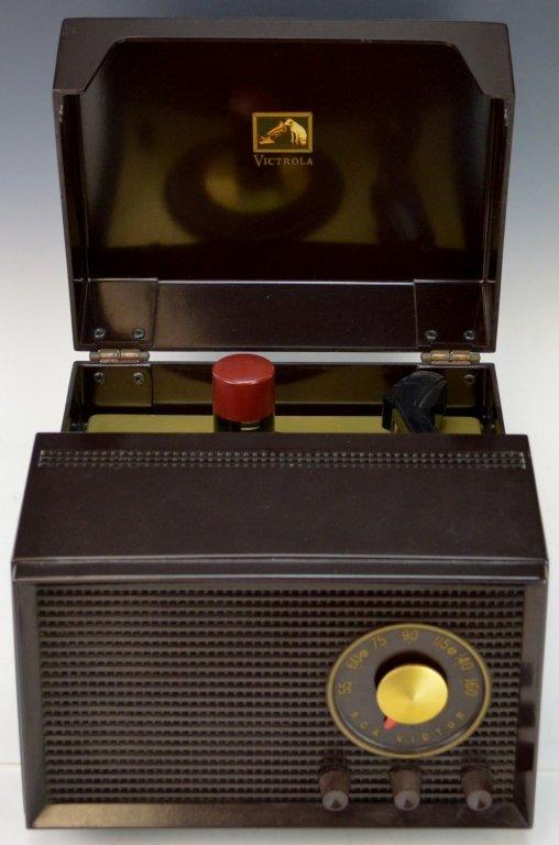 RCA Victor Model 4-Y-511 Radio Record Player
