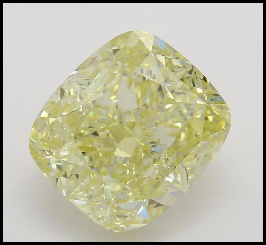 3.03 ct, Yellow/VS2, Cushion cut Diamond