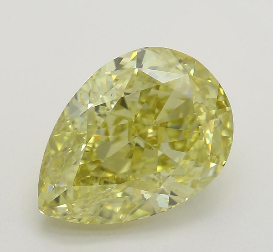 2.59 ct, Yellow/VVS2, Pear cut Diamond
