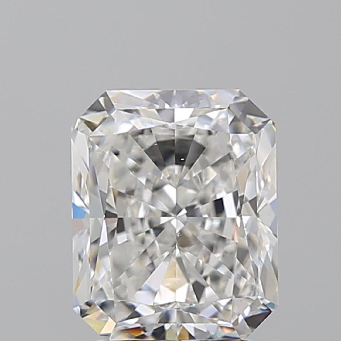 3.02 ct, Color E/VS2 , Radiant cut Diamond - 2