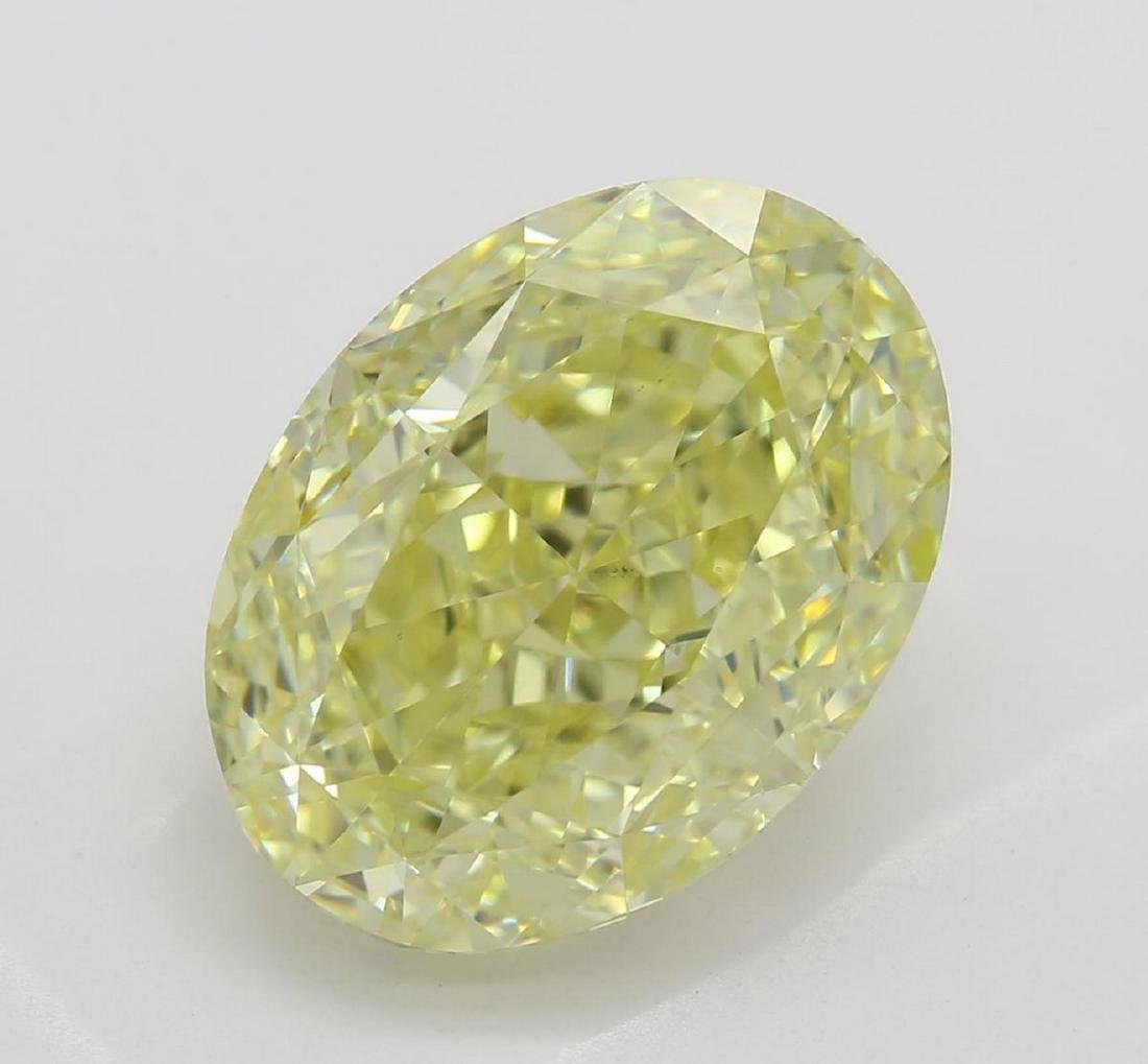 5.27 ct, Yellow/VS2, Oval cut Diamond