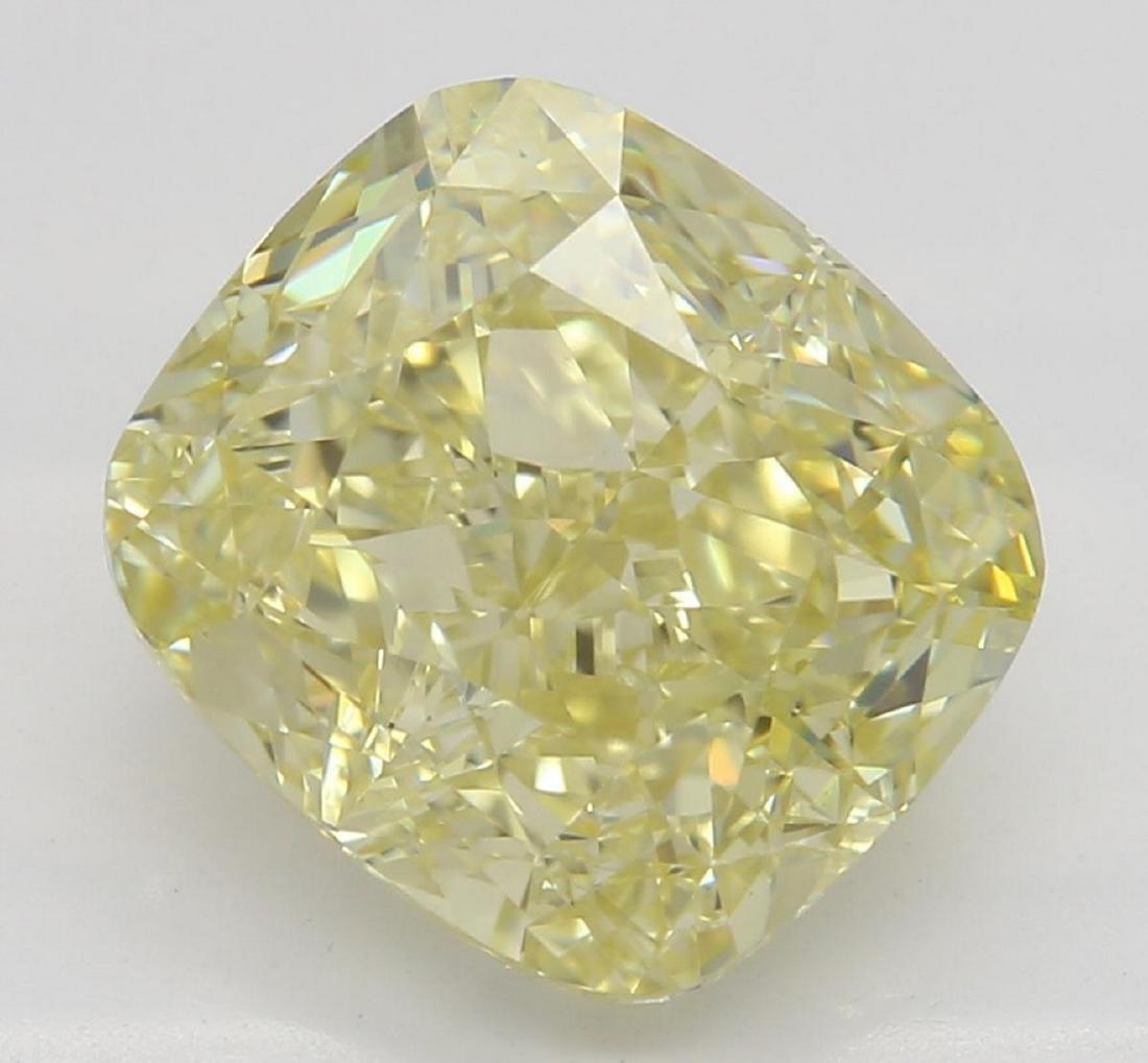 3.01 ct, Yellow/VS2, Cushion cut Diamond