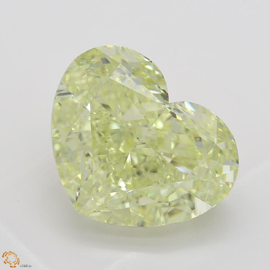 5.69 ct, Yellow/SI1, Heart cut Diamond