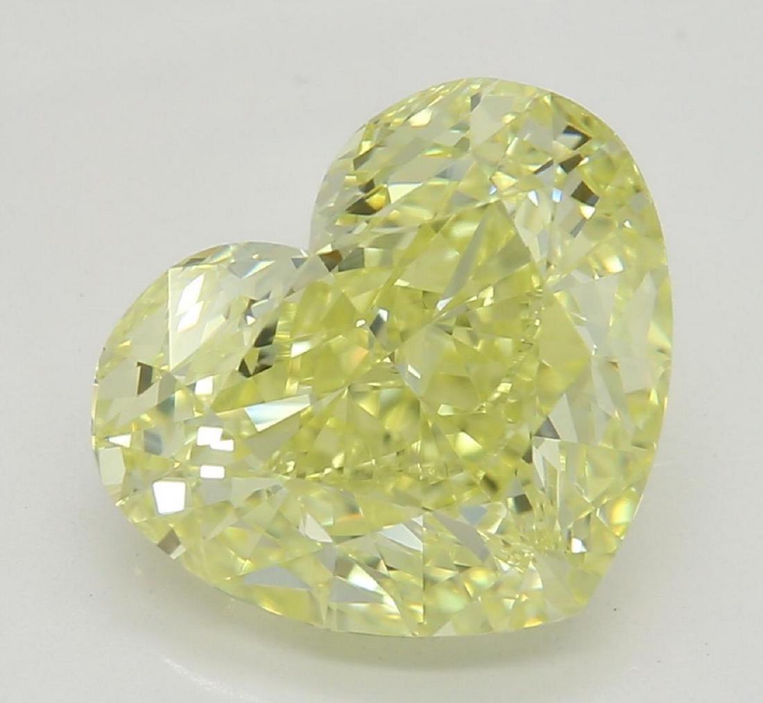2.70 ct, Yellow/VVS1, Heart cut Diamond