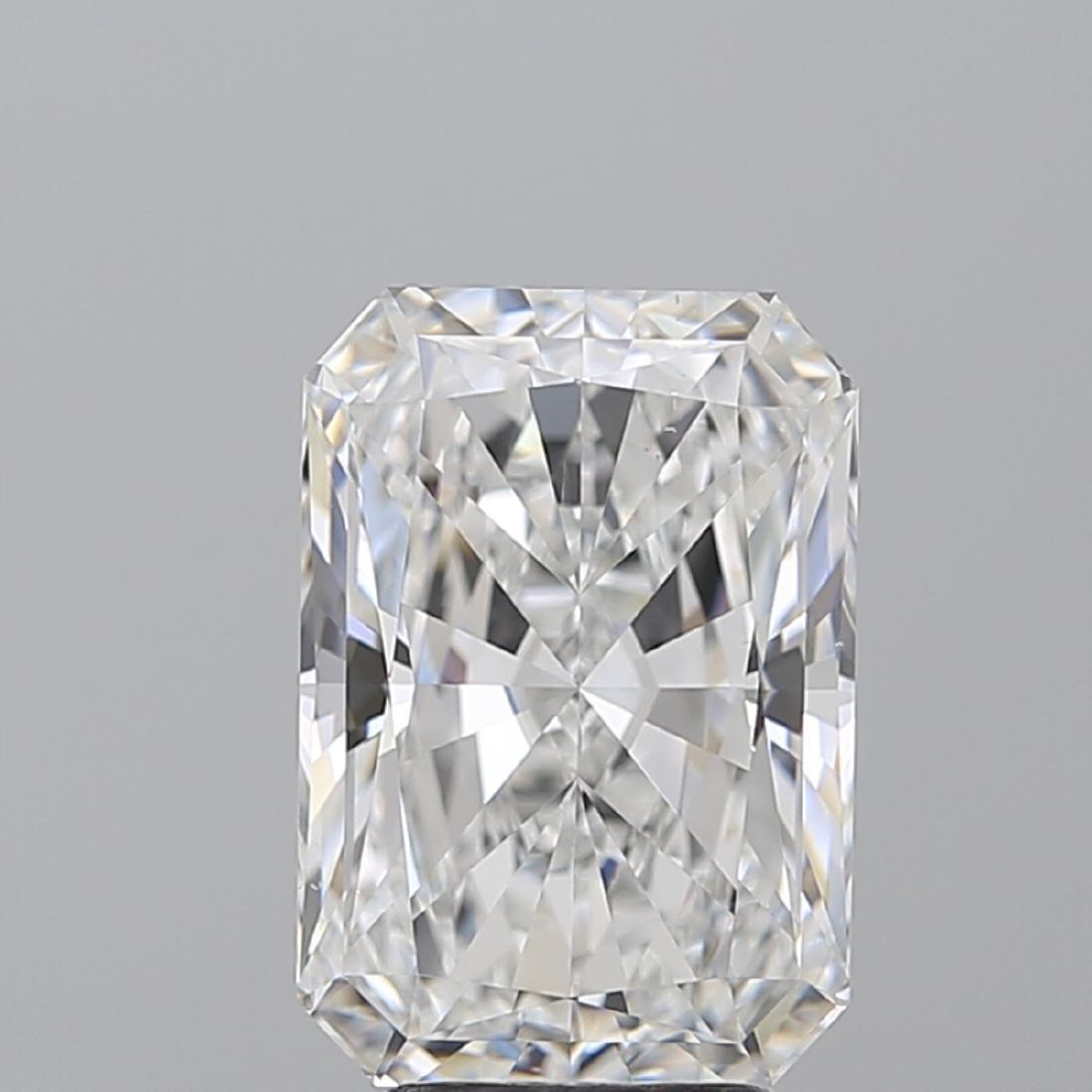 5.03 ct, Color E/VS2, Radiant cut Diamond - 2