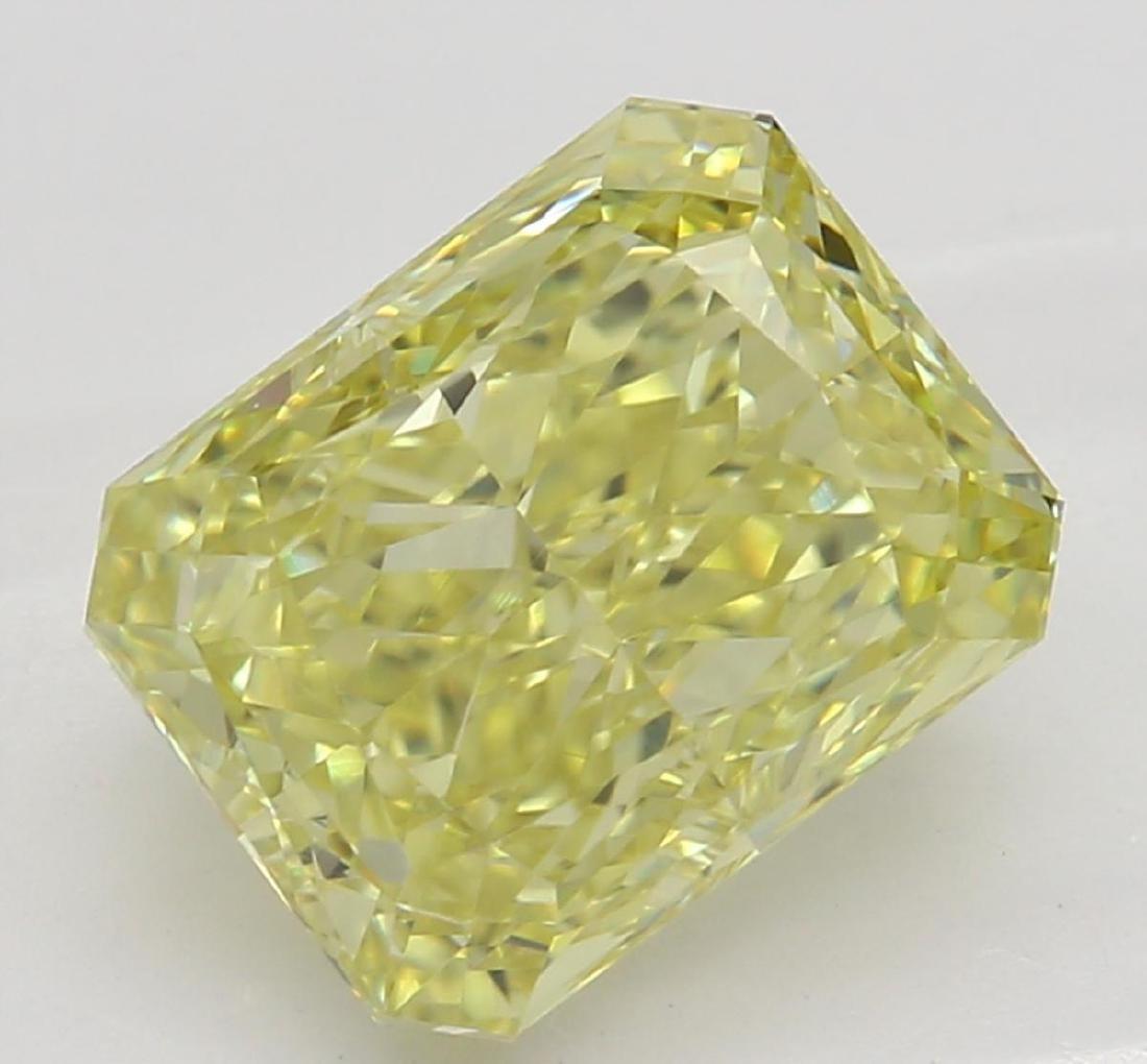 2.02 ct, Yellow/VS1, Radiant cut Diamond