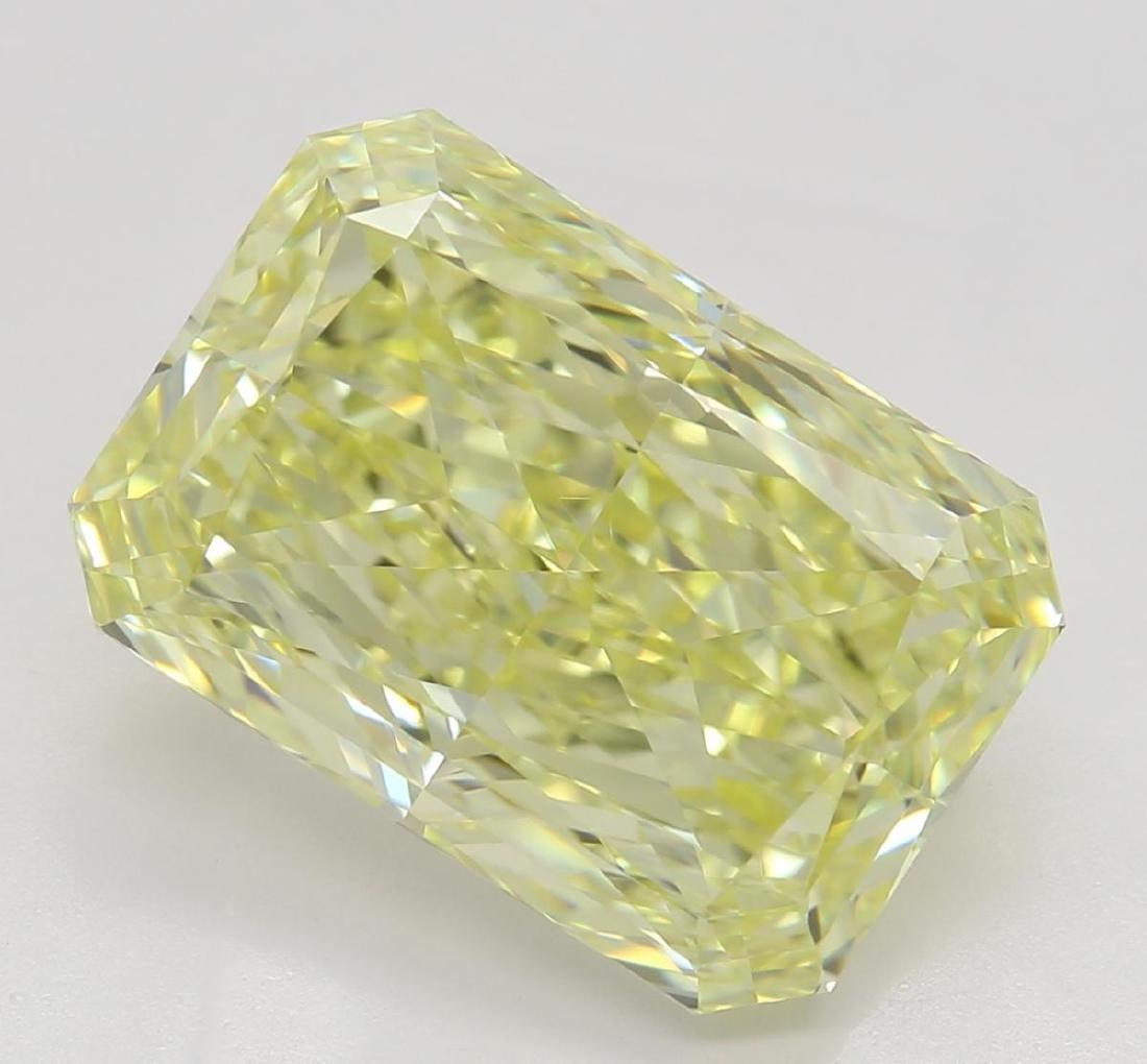 5.01 ct, Yellow/VVS2, Radiant cut Diamond