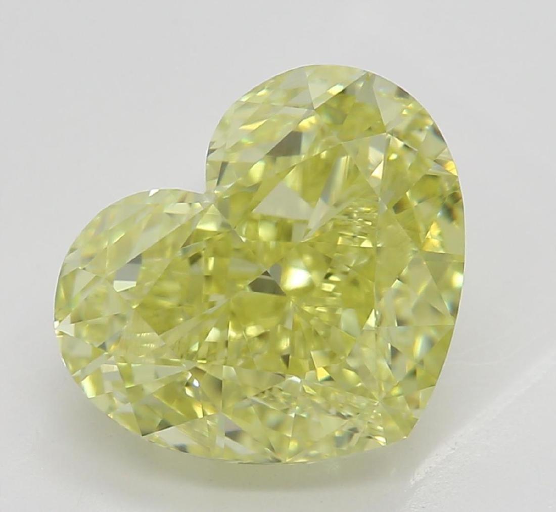 2.82 ct, Yellow/IF, Heart cut Diamond
