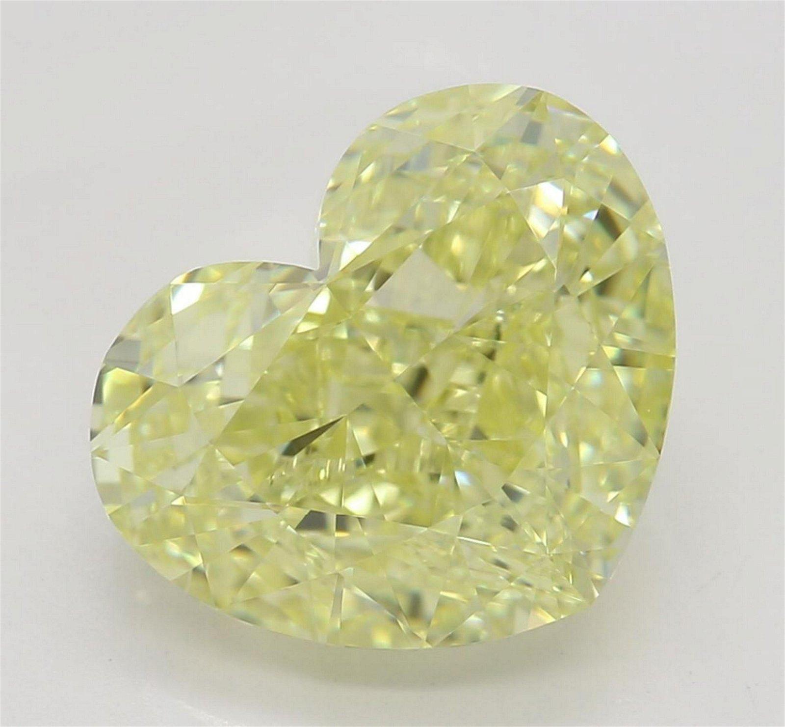 3.50 ct, Yellow/VVS1, Heart cut Diamond