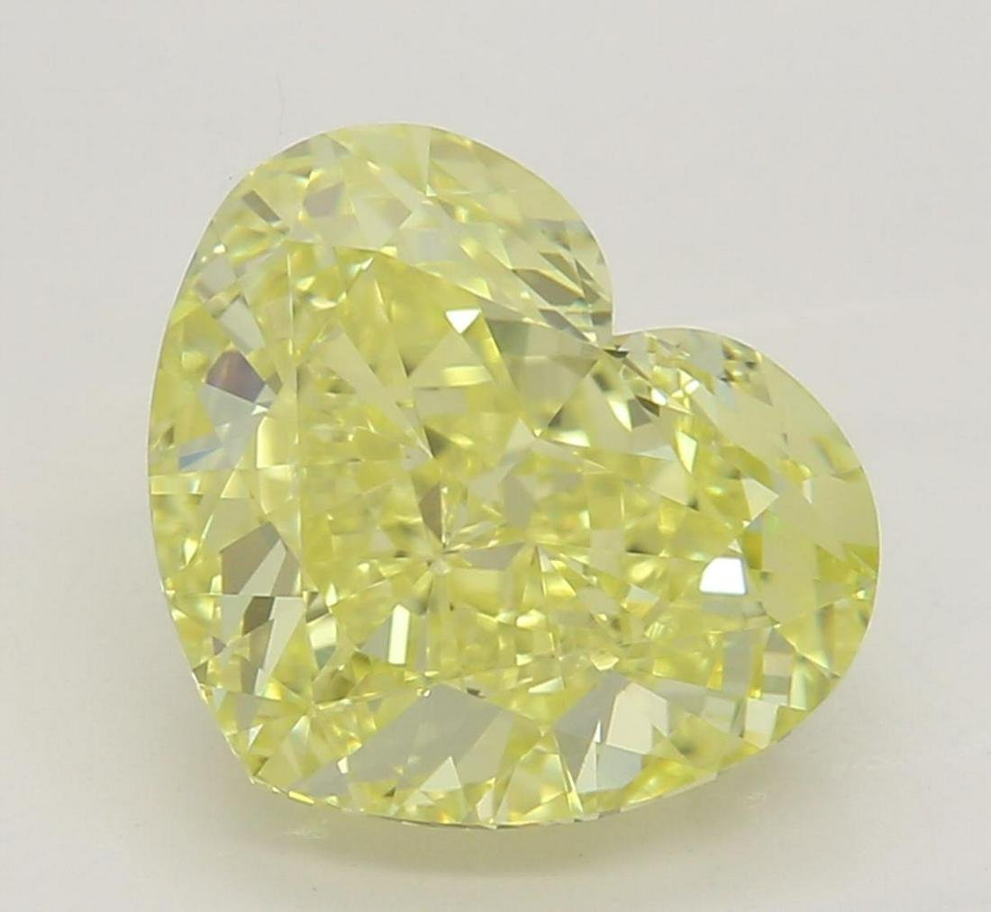 2.21 ct, Int. Yellow/VVS1, Heart cut Diamond