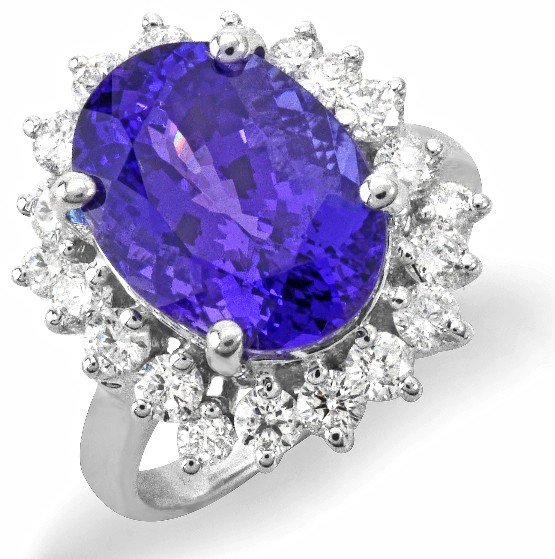 27: 18 kt ring with 1.17 carat in dia, 7.01 carat in Ta