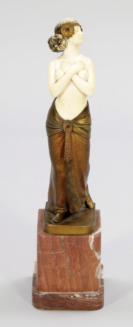 1200: B. Grundmann Deutscher Bildhauer des frühen 20. J