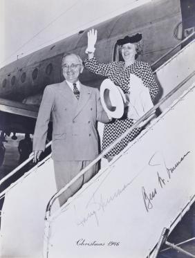 1946 Harry & Bess Truman Autographed Photo 10''x8''.
