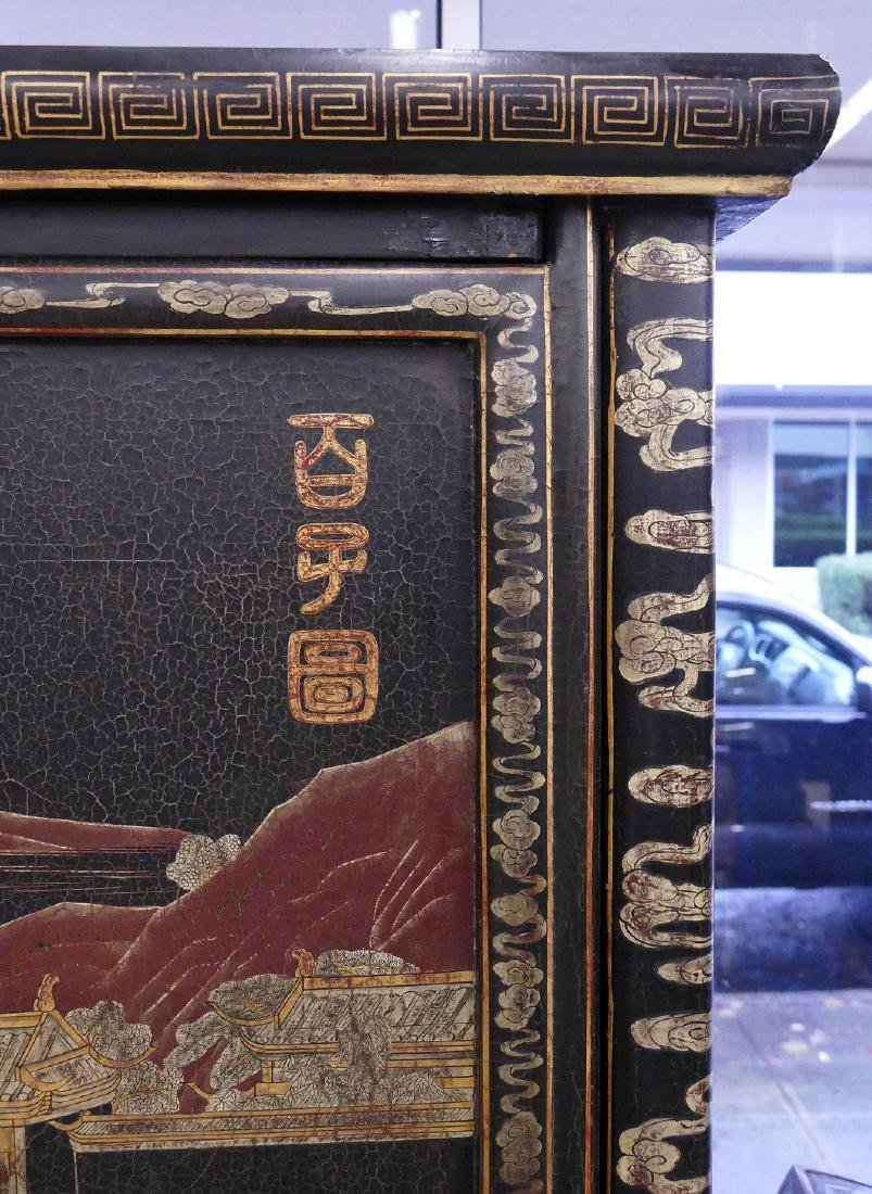 Chinese 100 Children Gilt Lacquered Cabinet - 2