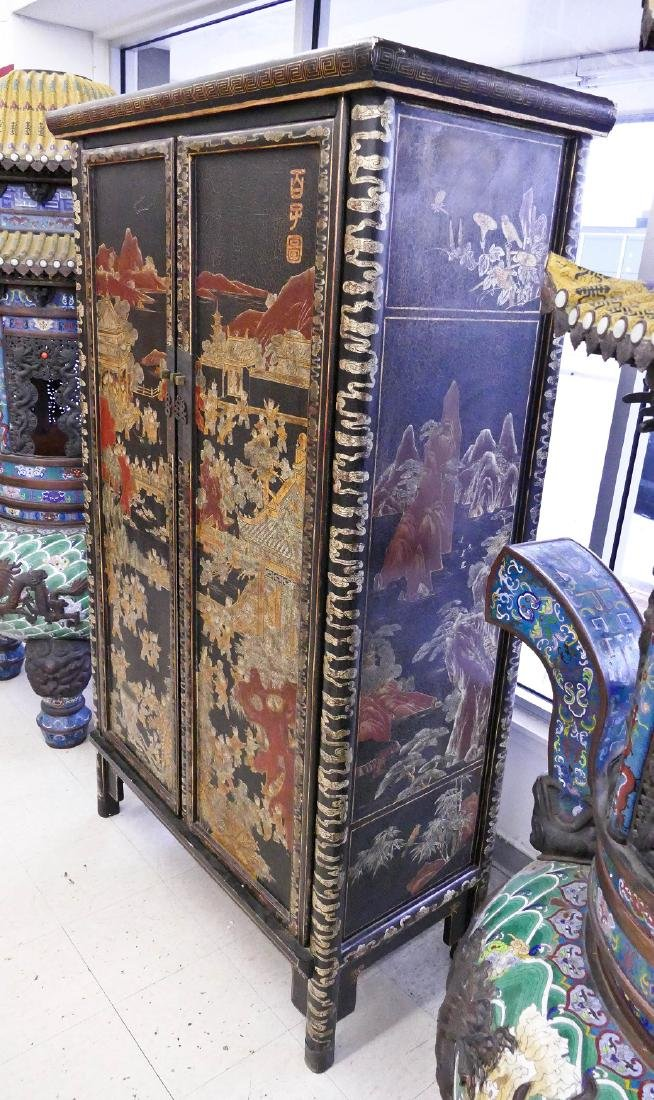 Chinese 100 Children Gilt Lacquered Cabinet - 4