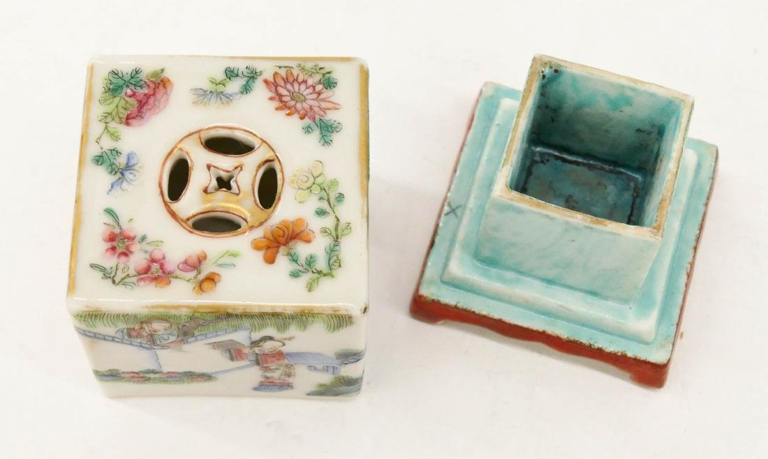 Chinese Famille Rose Porcelain Cricket Box - 3