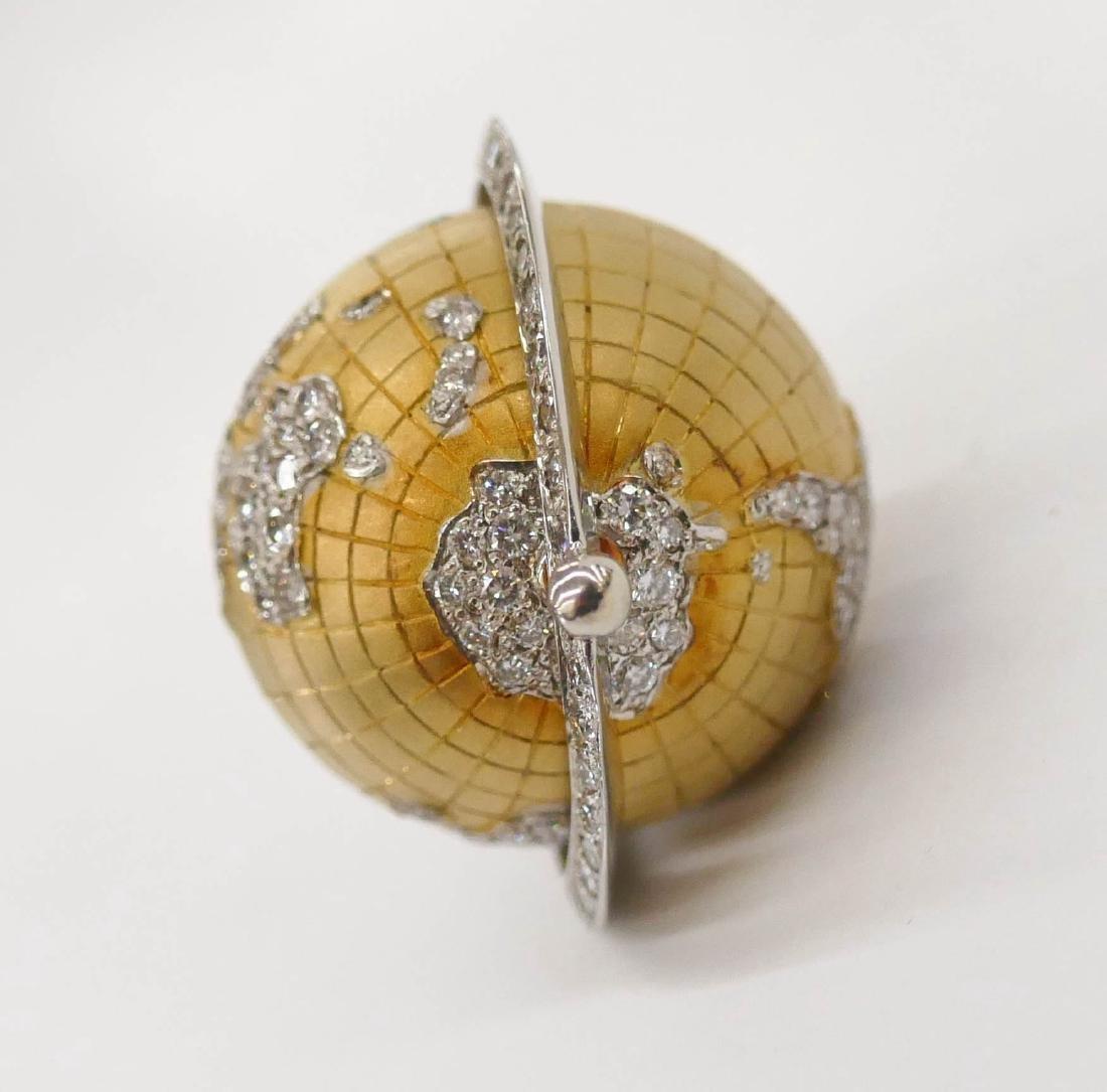 Caput Mundi Attr. 18k Diamond Globe Pendant - 2
