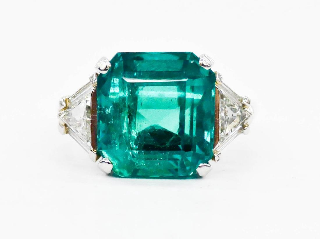 Impressive Lady's 8ct Natural Emerald & Diamond Ring