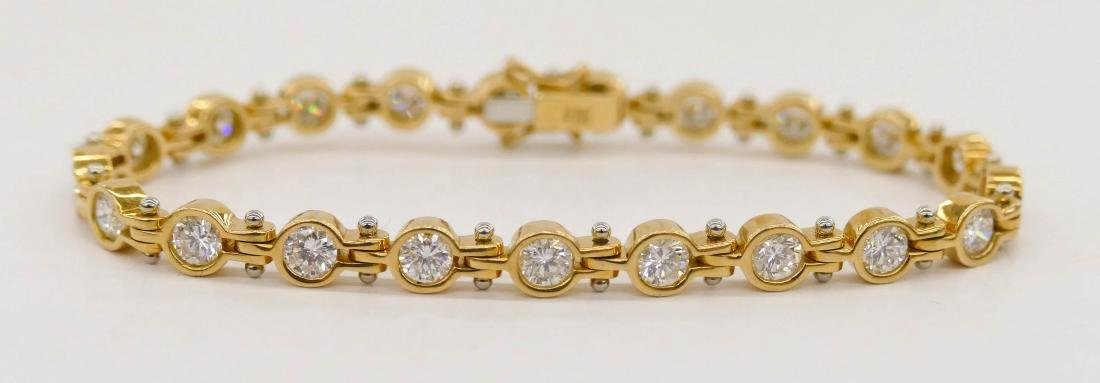 Lady's 3.94ctw Diamond 18k Gold Tennis Bracelet 6.5''. - 2