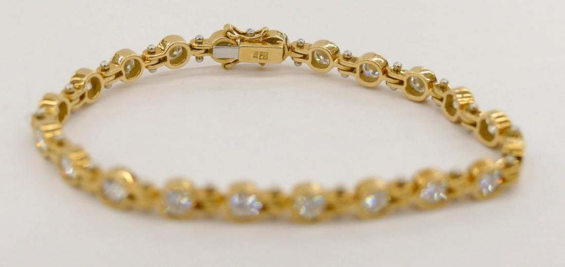 Lady's 3.94ctw Diamond 18k Gold Tennis Bracelet 6.5''. - 3