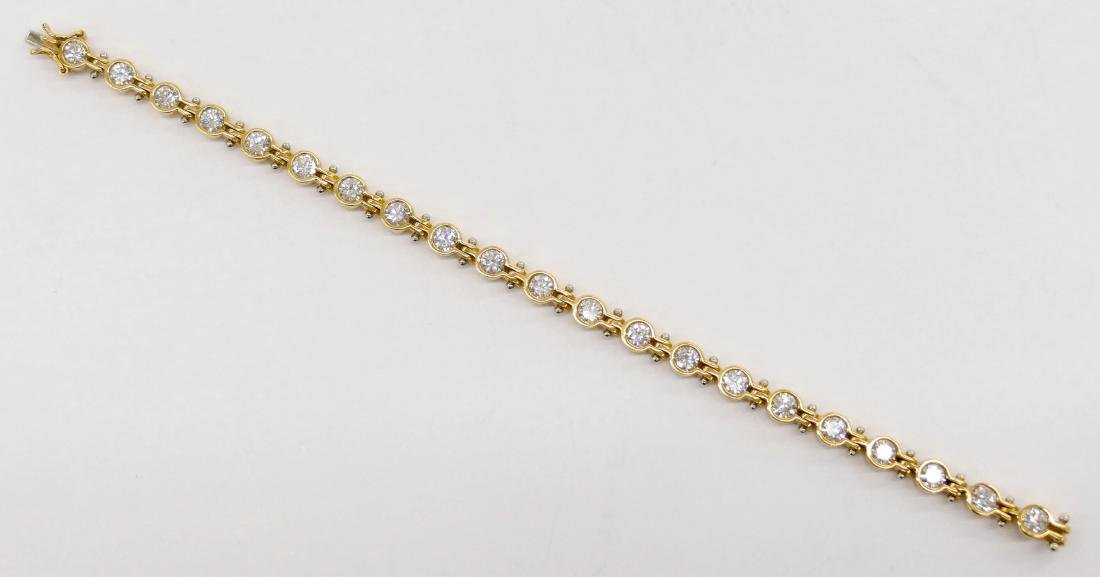 Lady's 3.94ctw Diamond 18k Gold Tennis Bracelet 6.5''. - 4
