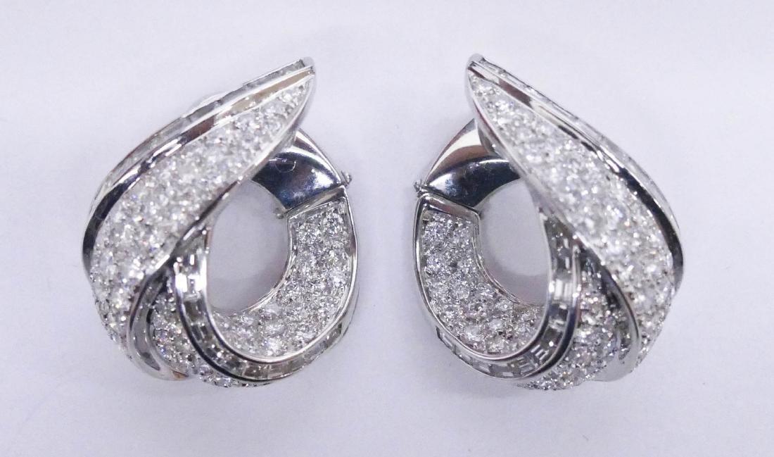 Fine Ambrosi Pair of Lady's 18k Diamond Earrings