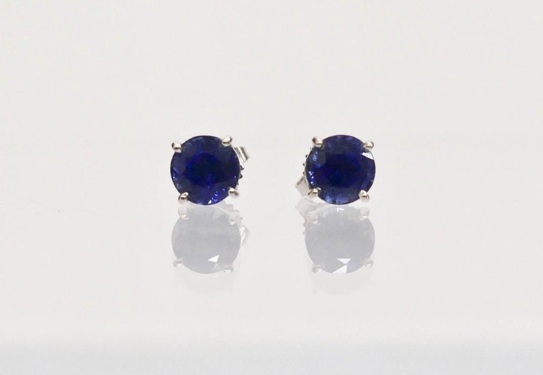 Pair Lady's 3.15ctw Natural Sapphire Stud Earrings. Set - 2