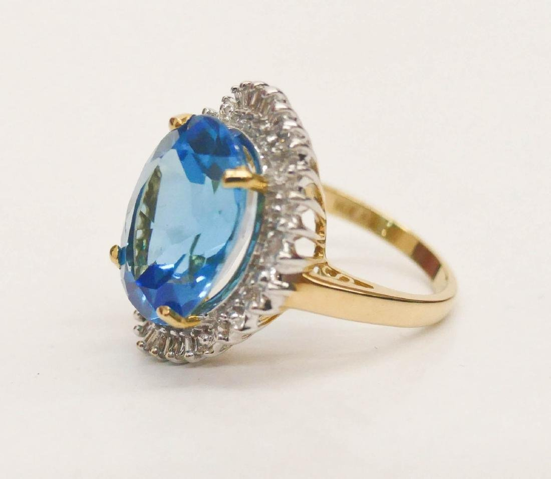 Lady's 10ct Blue Topaz & Diamond 14k Ring Size 7. - 2