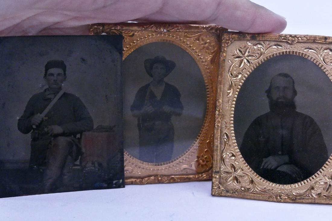 4pc Civil War Soldier Tintype Photographs. Includes a - 2